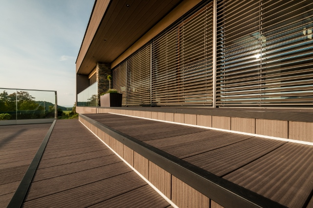 slide /fotky70676/slider/Twinson_terrace-cladding_reference_CZ_-_Low--1.jpg